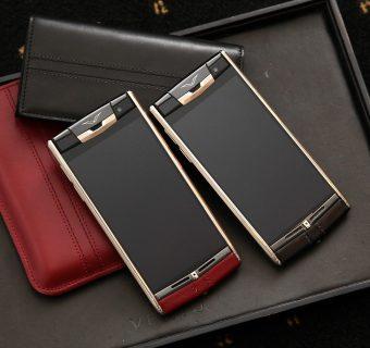 Vertu Signature Touch : le téléphone rouge plaisir